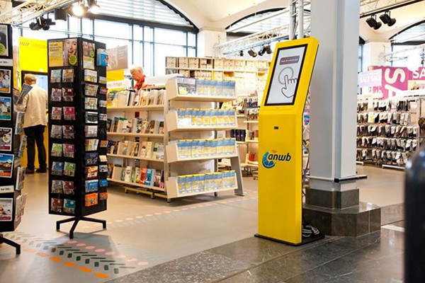 ANWB's in-store kiosk makes sure that their full online catalog is accessible